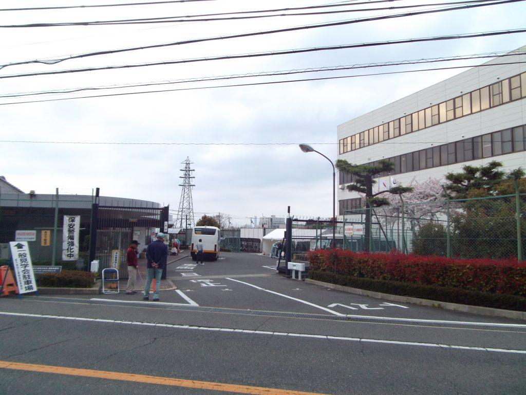 大阪で原発燃料が作られてるって知ってました?◇手作業の燃料棒組立に驚く  「暇です。再稼働してほしい」と案内の社員