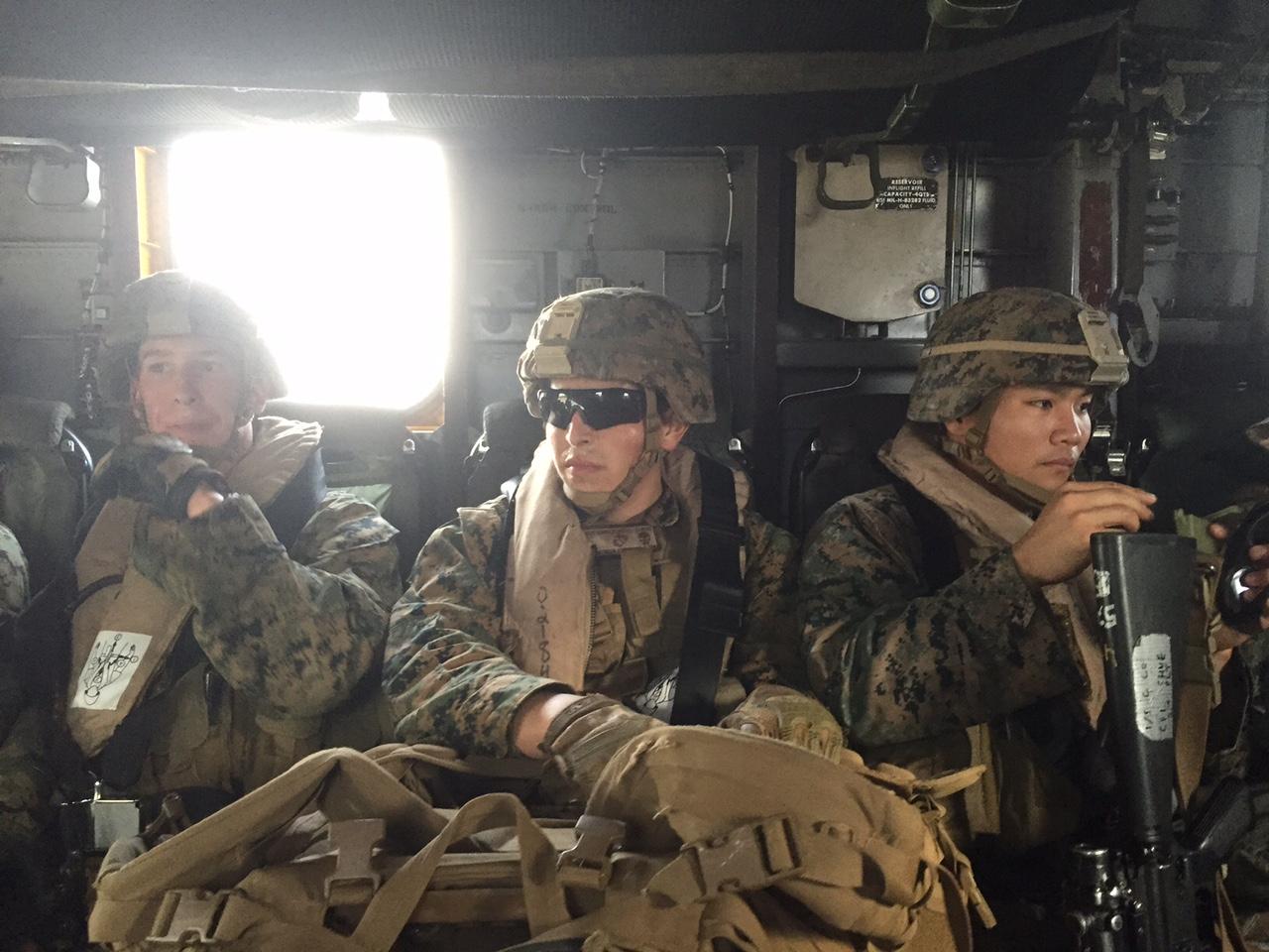 訓練をするアメリカ軍(撮影:アイ・アジア)