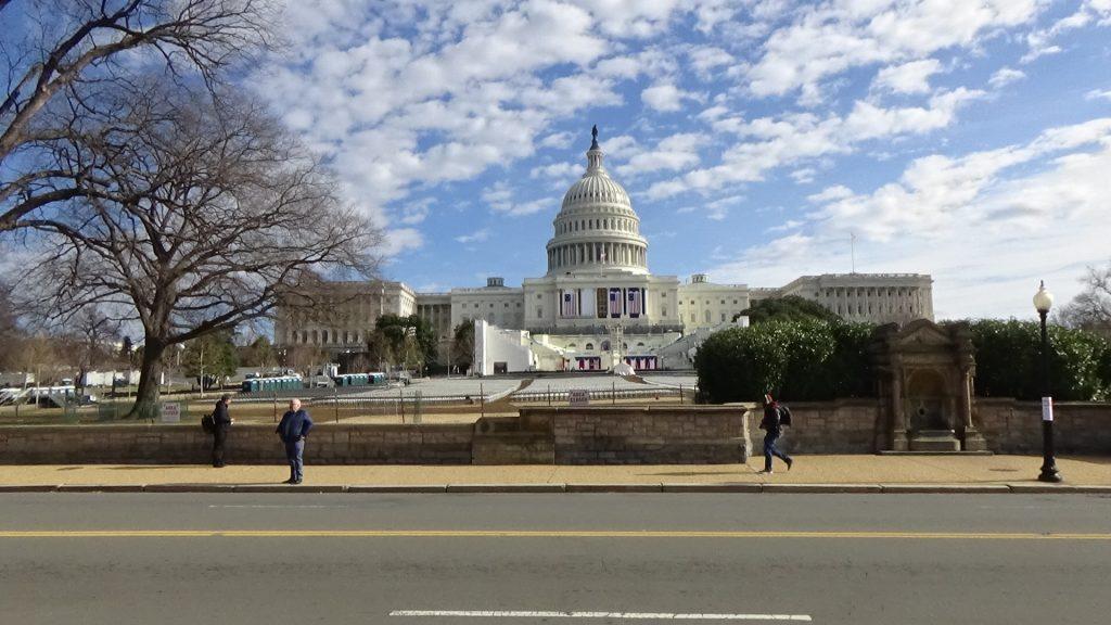 トランプの米国とどう向き合うか? (8)~大統領就任式まで1週間の首都は